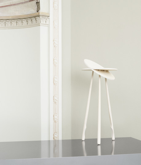 Tip Toe Table - design: Marie Berri