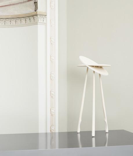 Tip Toe Table - design: Marie Berri
